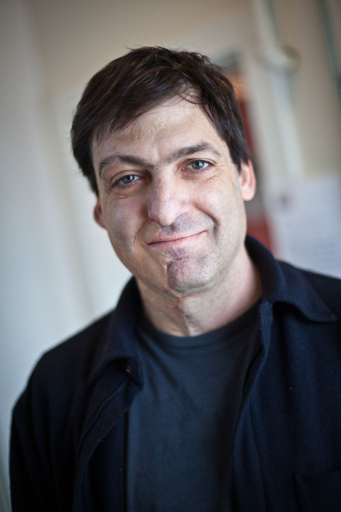 """Dan Ariely - PopTech 2010 - Camden, Maine"" by PopTech. Licensed under CC BY-SA 2.0 via Commons"